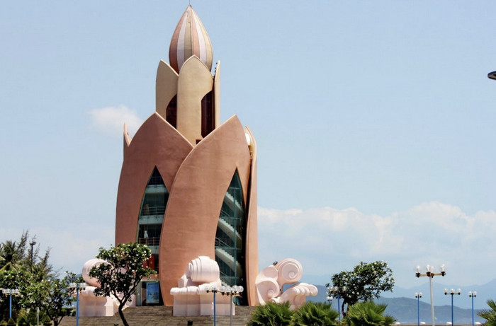 Башня «Лотос»