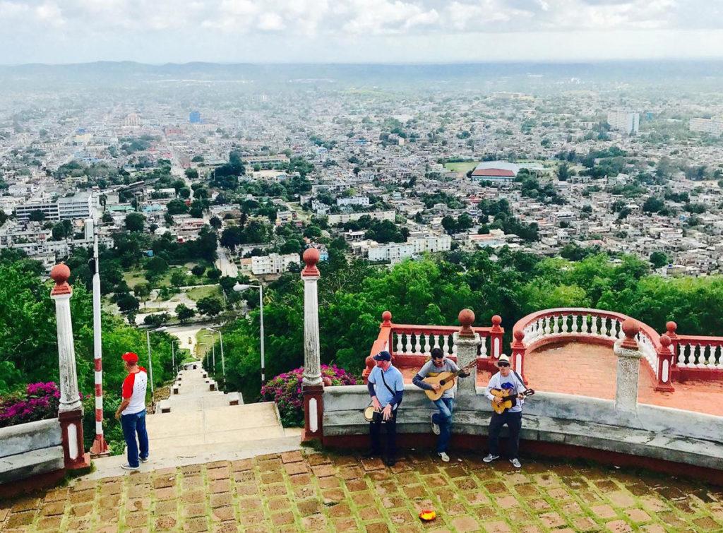 Город Ольгин, Куба