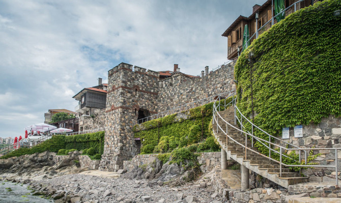 Каменные ворота древнего Созополя