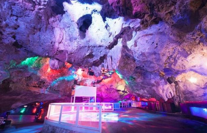 Клуб в пещерах Imagine Punta Cana Disco