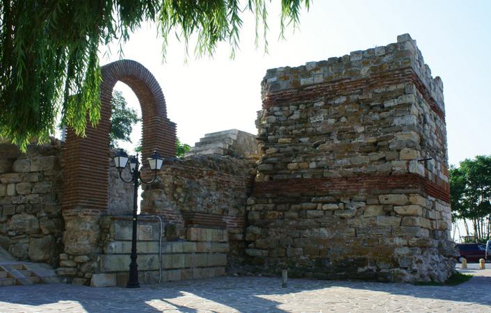 Крепостная стенана западной стороне Старого города