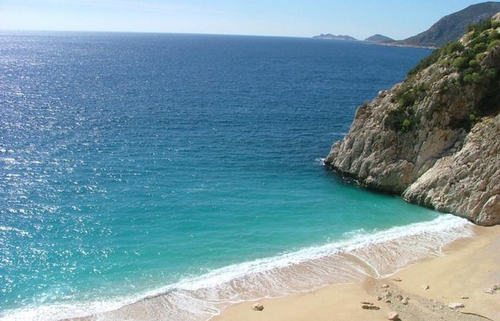 Пляж «Золотой камень»