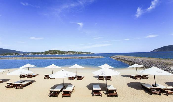 Пляж отеля Парагон