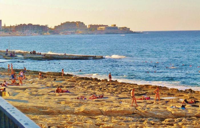 Пляж Fond Ghadir