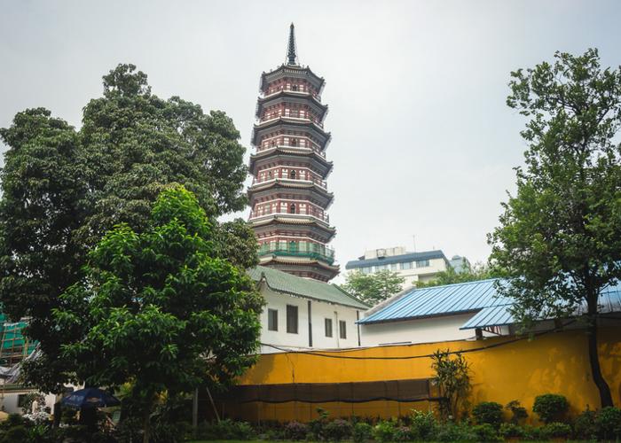 Храм шести баньяновых деревьев