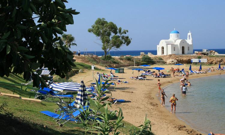 Louma Beach