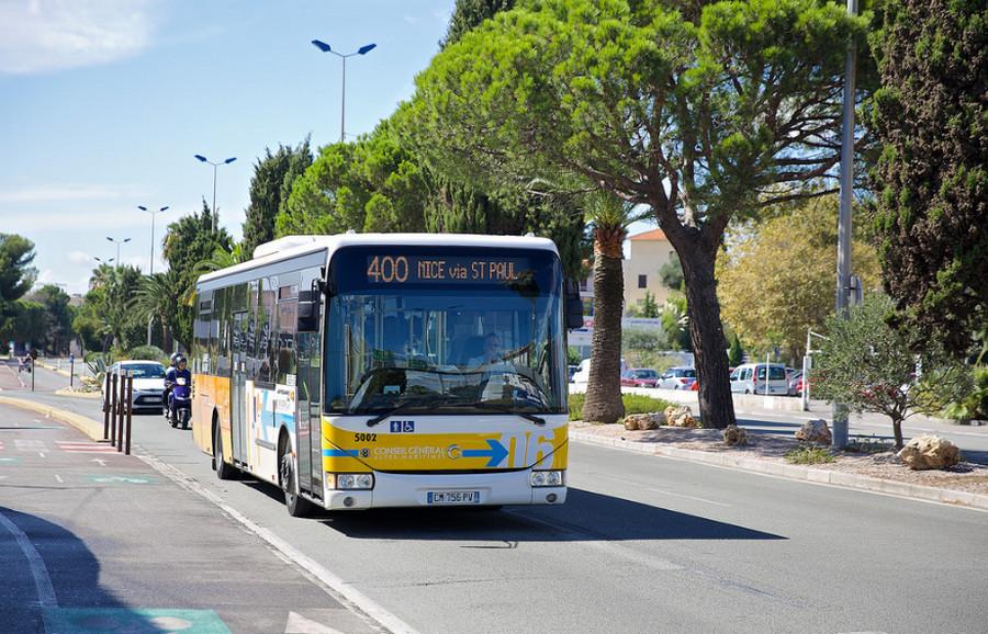 Автобус в Ницце