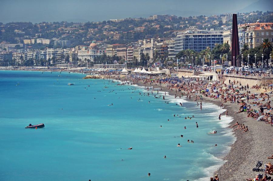 Городской пляж Ниццы