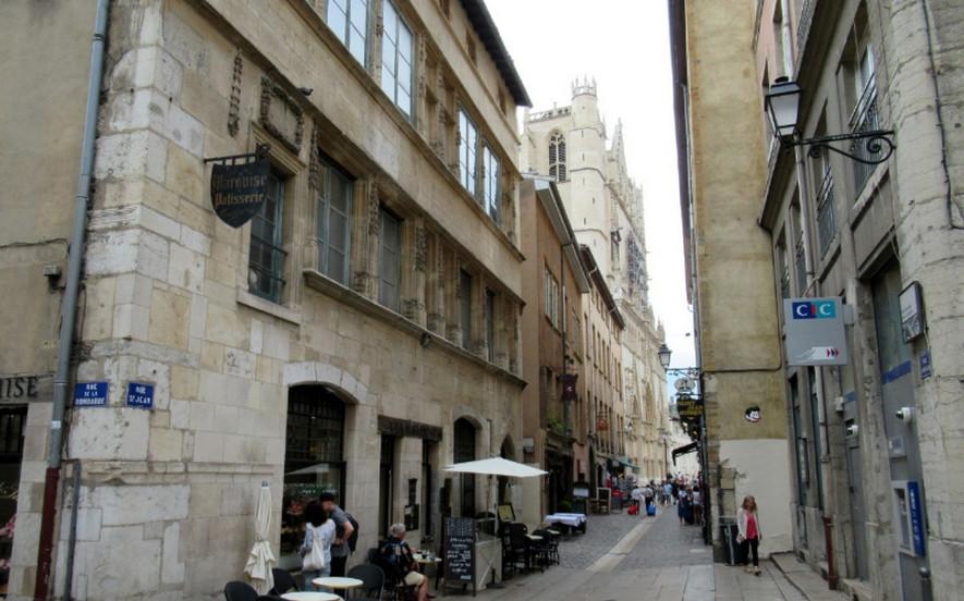 Улица Сен-Жан