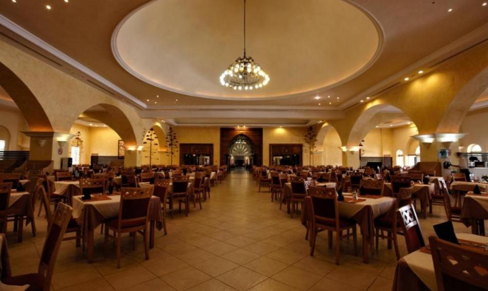 Ресторан в Зарзисе